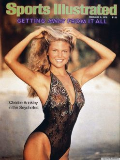 CHRISTIE-BRINKLEY-SWIMSUIT