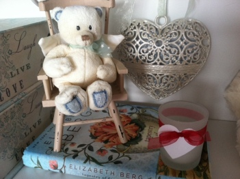 nook_bear_chair_heart