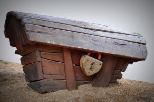 coffin-239096_1280